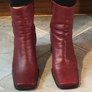 Nine West red leather block heel booties size 8M